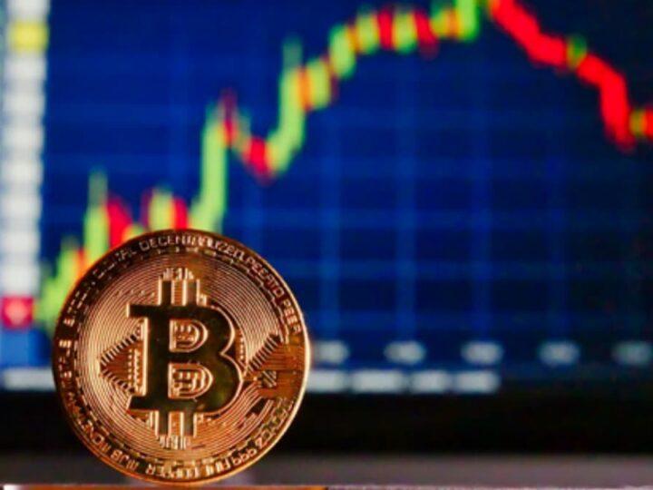 Senior Bloomberg strategist backs Bitcoin (BTC) to reach $60,000 rather than $20,000 dump